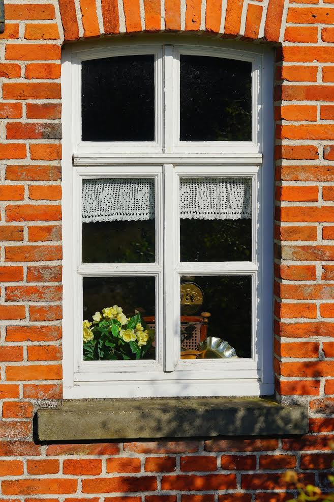Replacing Windows: What to Look for? - Vivax Pros on exterior brick wall, exterior brick wallpaper, exterior brick stairs, exterior brick fence, exterior brick building, exterior brick blue, exterior colors brick, exterior brick fireplace, exterior brick tile, exterior brick chimney, exterior brick flooring, exterior brick cleaning, exterior brick gutter, exterior brick design, exterior brick home, exterior brick siding, exterior brick panel, exterior brick paint, exterior brick trim, exterior brick office,