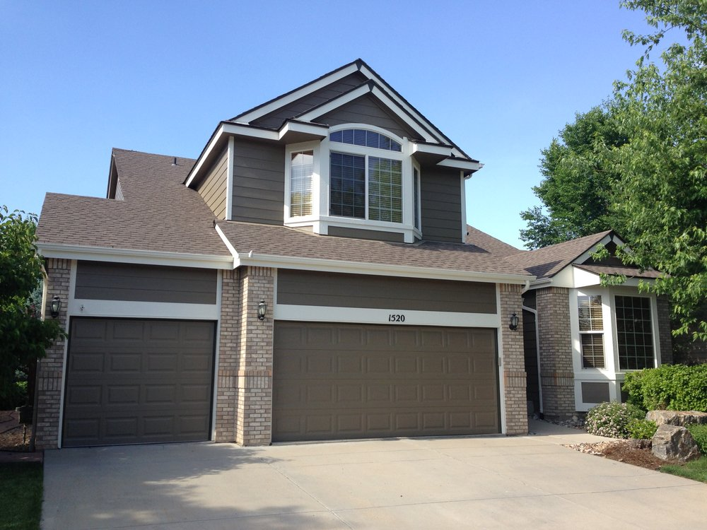 Dark Brown And Brown Brick House With Garage Vivax Pros